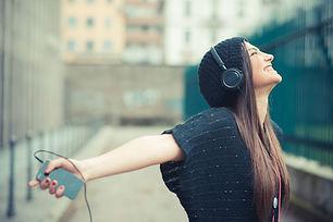 5-beneficios-de-escuchar-musica-que-te-a