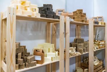 The Soap Lab étagère stock savons bio sa