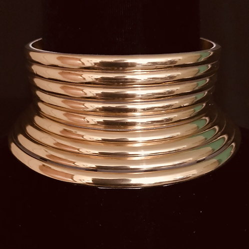 Ara in Gold