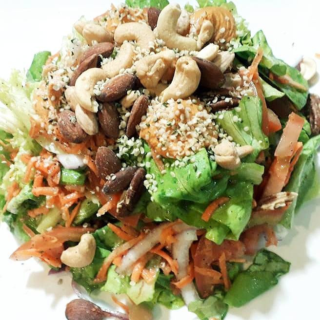 salad with nuts from Bio  Natural vegan playa del Carmen