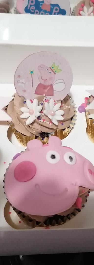 Cupcakes (1).jpg