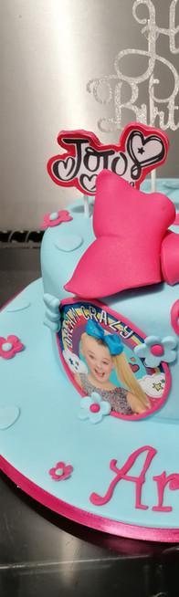 Occasion Cake (26).jpg