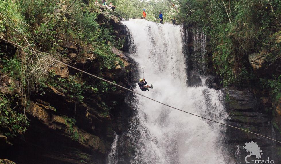 Cachoeira do Indaiá tirolessa