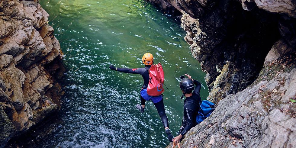 Canionismo - Rapel em 8 Cachoeiras