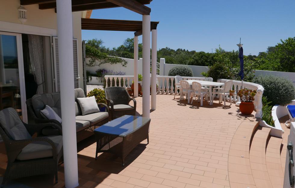 Lounge patio 05.JPG