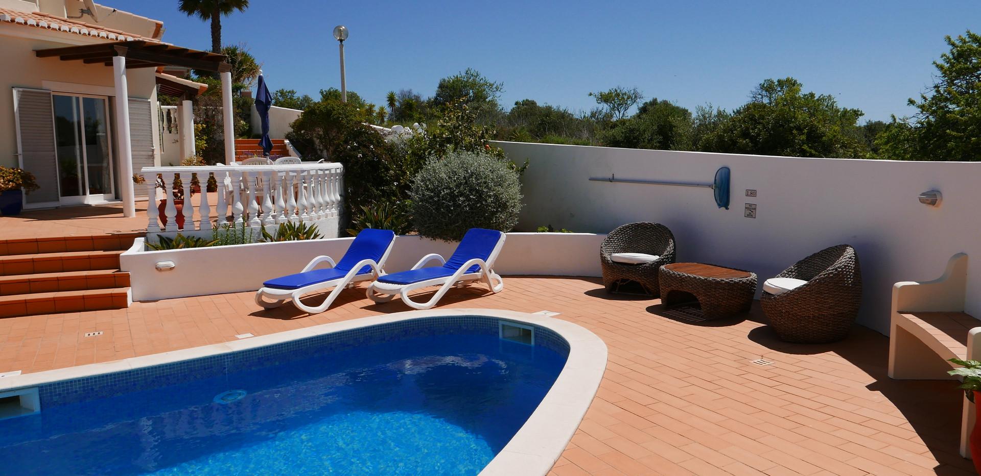 Villa pool 07.JPG