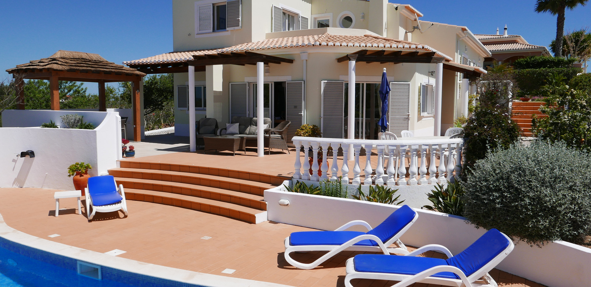 Villa pool 03.JPG