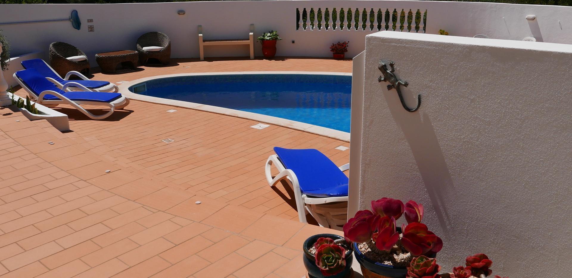 Villa pool 12.JPG