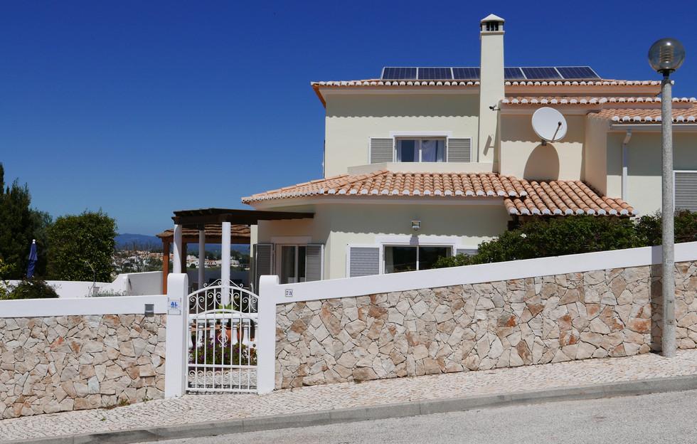 Villa from road 01.JPG