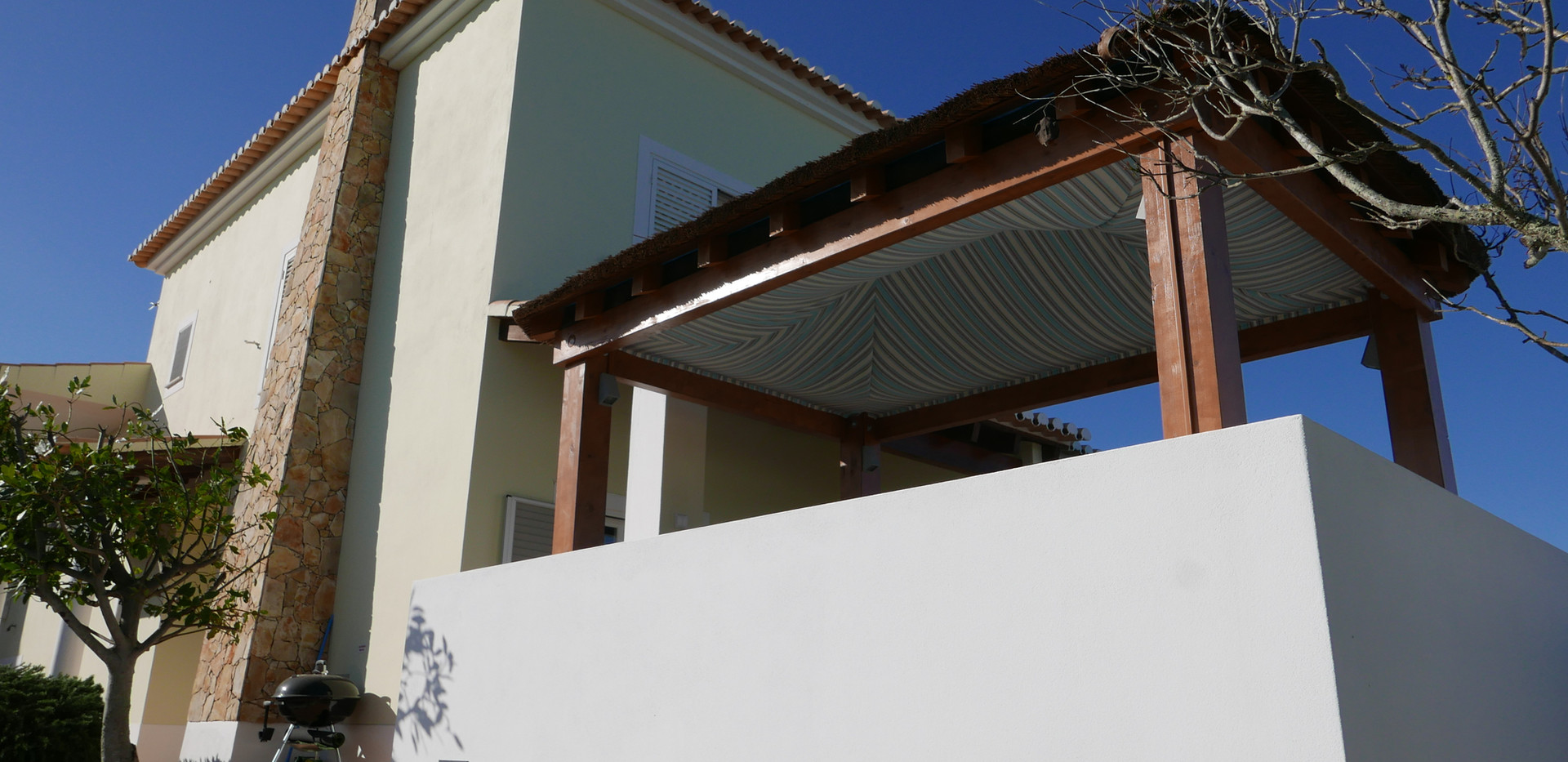 Villa rear 05.JPG