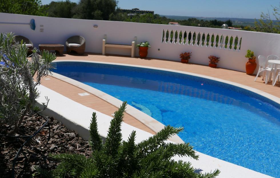 Villa pool 05.JPG