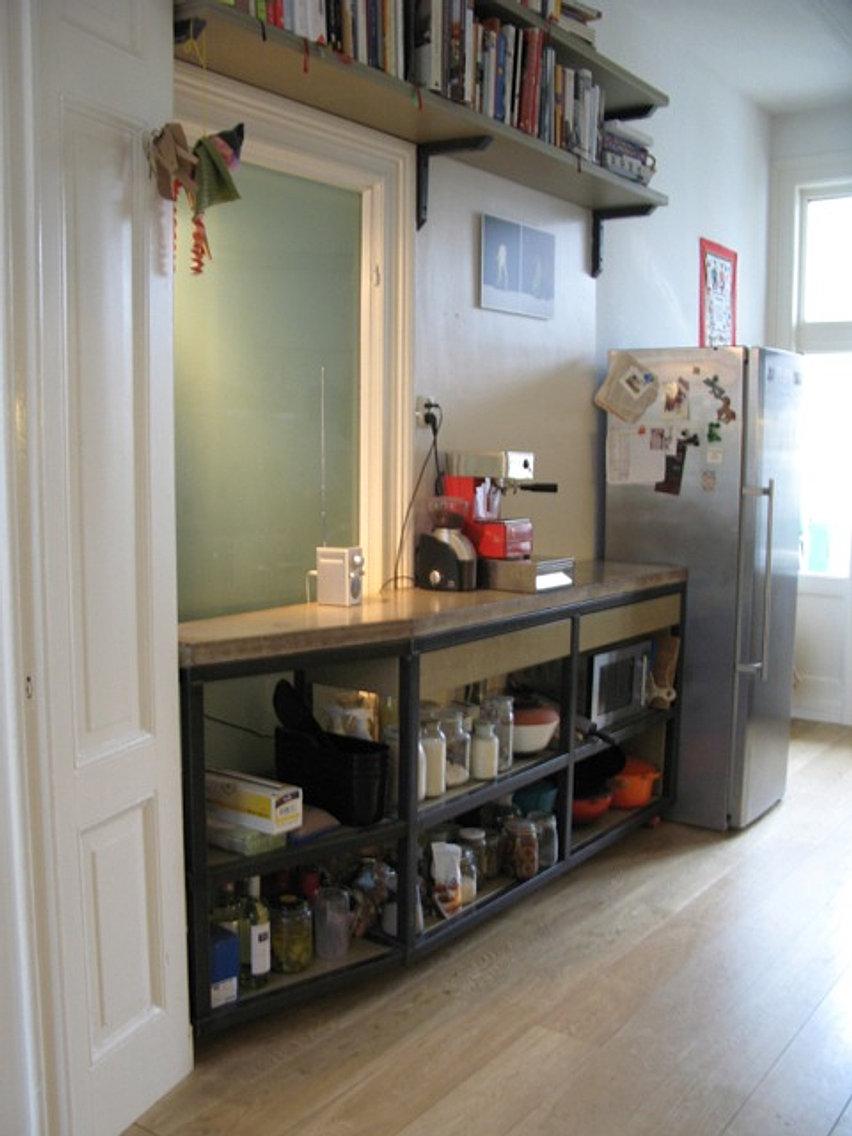 Keukens op maat van staal hout en andere natuurlijke materialen - Open keuken op verblijf ...
