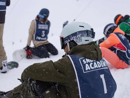 Snowboardlehrer Anwärter mit der Snowsports Academy