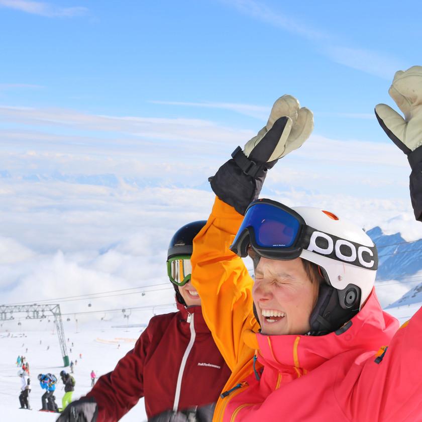 Skilehrer Anwärter Spaß im Schnee