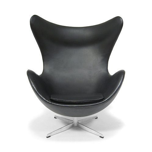 Early Arne Jacobsen Egg Chair by Fritz Hansen