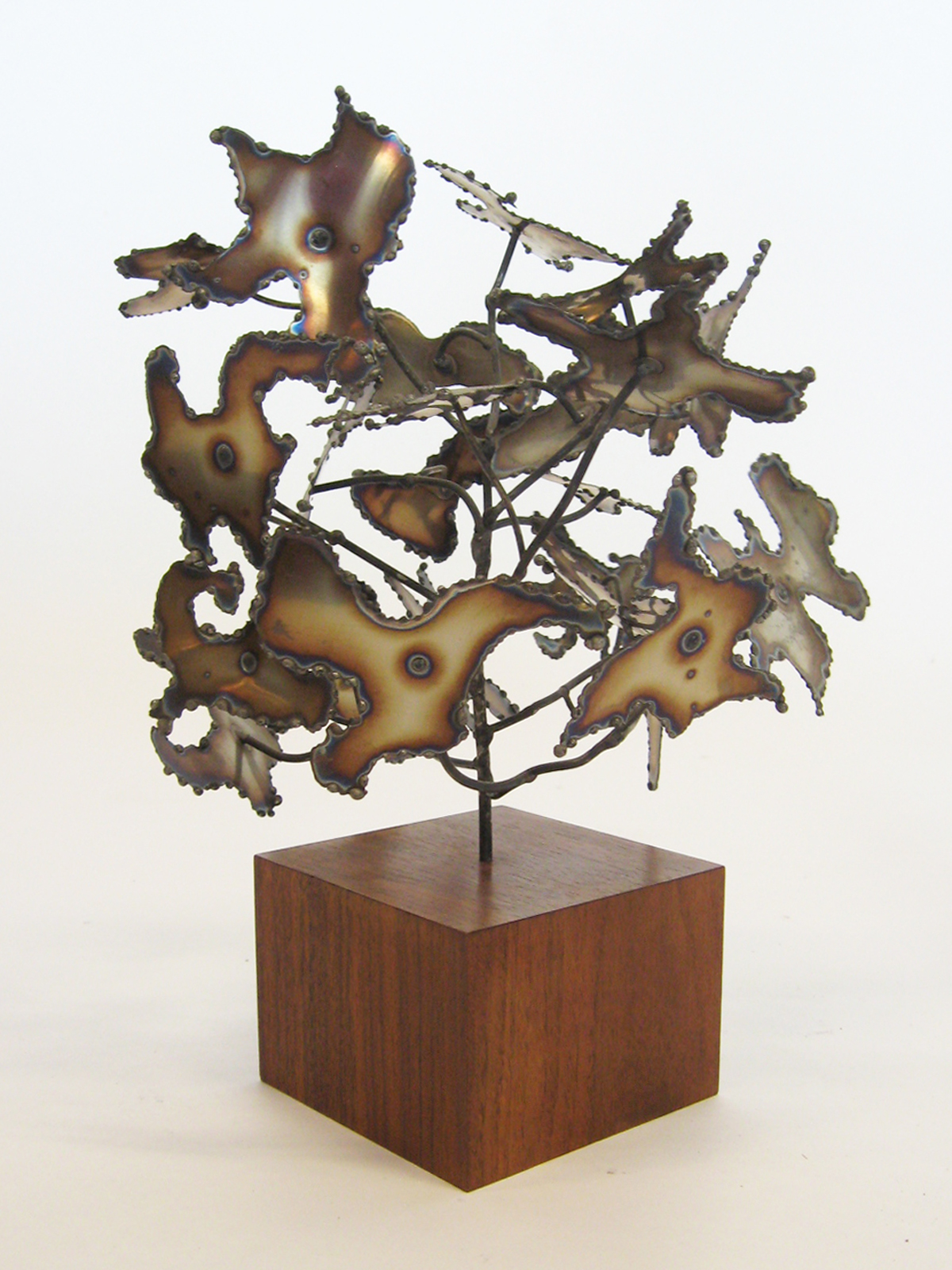 Kafka Abstract Bush Sculpture