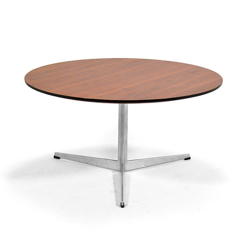 Arne Jacobsen Coffee Table by Fritz Hansen