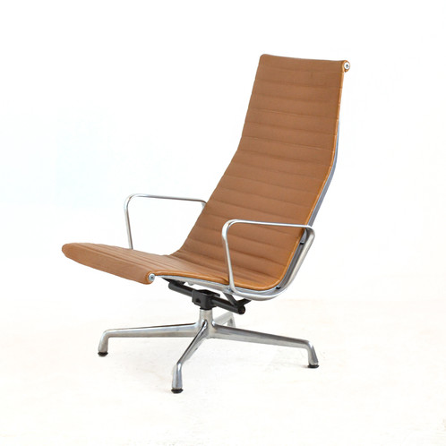 Eames Aluminum Group Chair By Herman Miller
