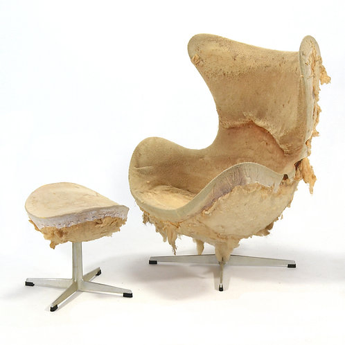 Arne Jacobsen (Scrambled) Egg Chair & Ottoman
