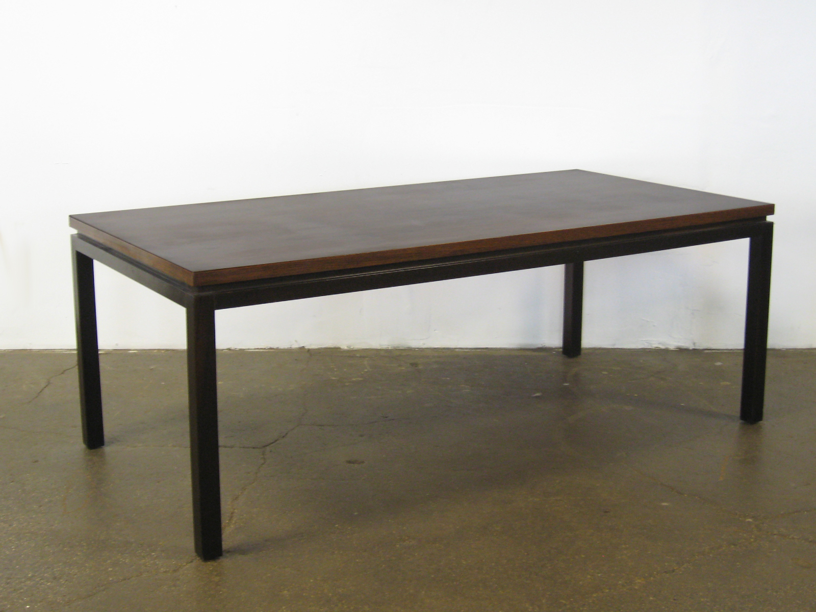 Probber Jumbo Table