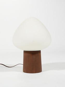 Laurel Walnut Kiss Lamp