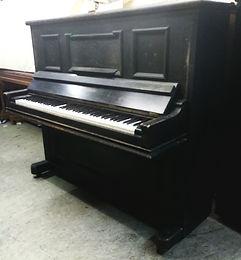 Klavier vor Reparatur