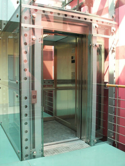 03-Lift-Green-Lift-Panoramic-in-Warsaw
