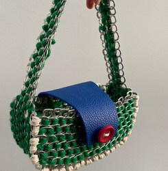 Le Baguette bag : «Les yeux vert de Laure »