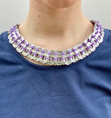 Collier violet