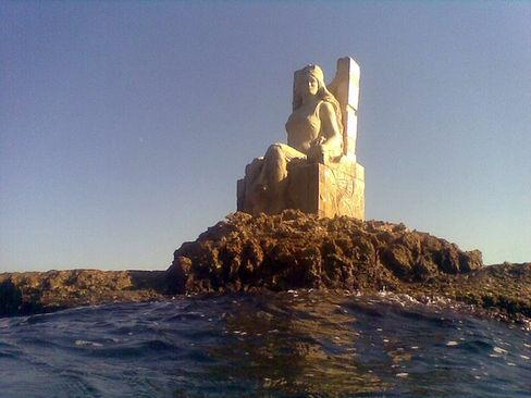 Queen Zenobia statue in Syria