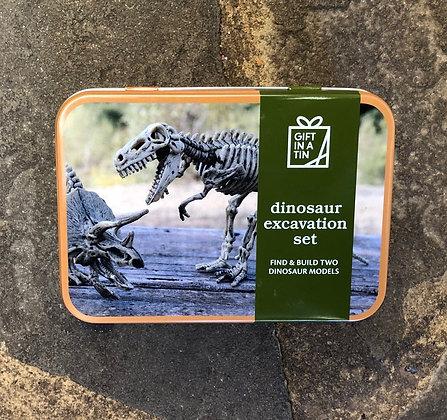 APPLES TO PEARS Dinosaur Excavation Set