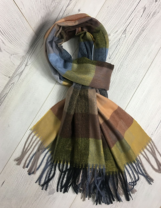 Fine Check Scarf with Strings end