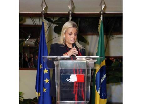 Jurista Gilda Figueiredo Ferraz recebe homenagem do presidente da França