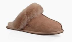 RR283 - Ugg Slippers