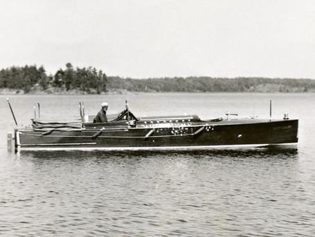 Mint Julep- 1928 28' Ditchburn Viking