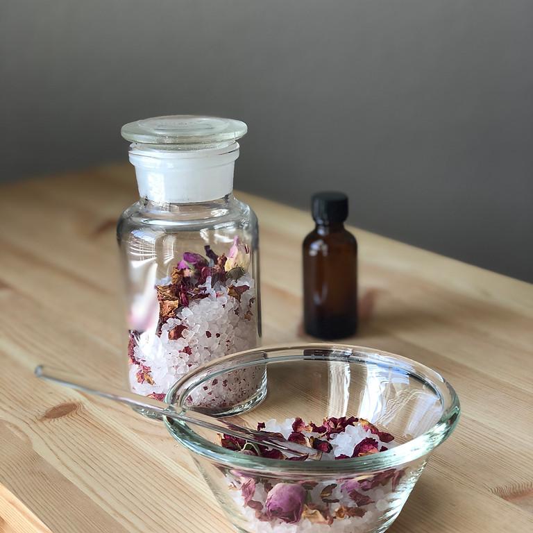 薔薇の精油と薔薇のハーブ・で作るバスソルト 入浴のススメ♪
