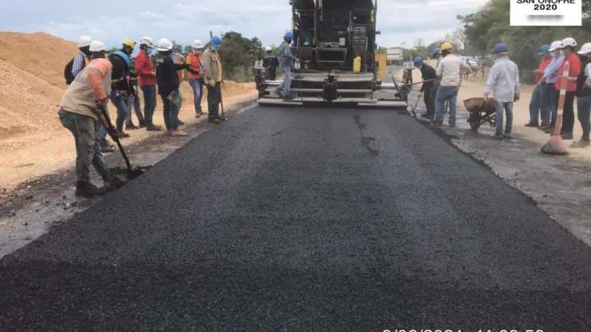 Inician obras de pavimentación en la Vía a Berrugas