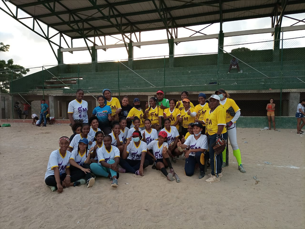 San Onofre - Deportes, mujeres deportistas, playamar Stereo