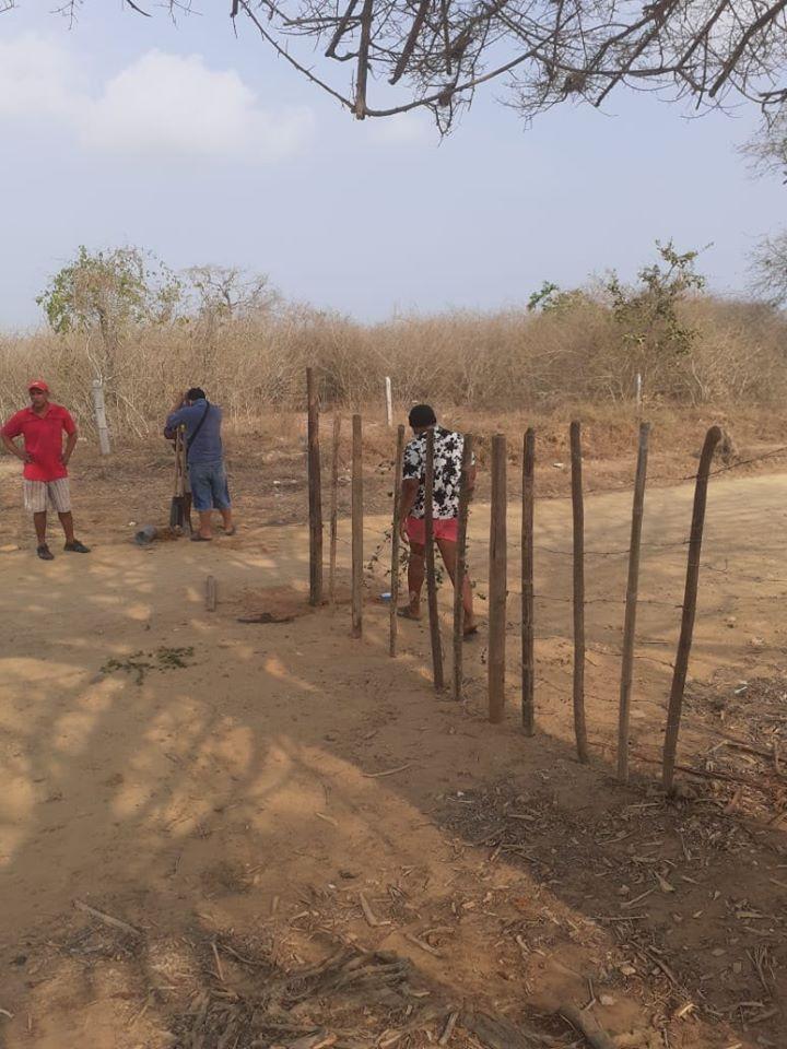 En Berrugas, corregimiento de San Onofre los habitantes cerraron las vías de acceso