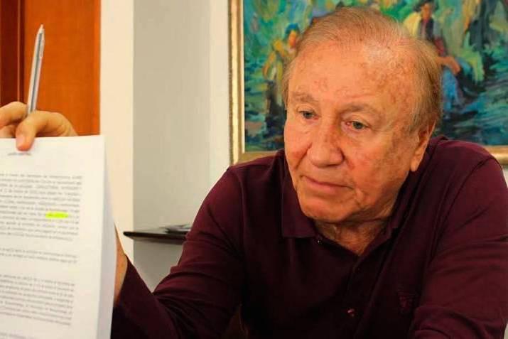 Playamar Stereo, Rodolfo Hernández