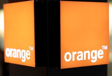 Après Free, c'est Orange qui coupe le signal de BFM TV, RMC Story et Découverte