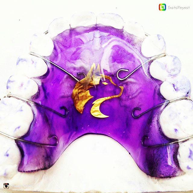 Trojans are going down! Let's go 10-0!! #uscvsuw #godawgs #purpleandgold #huskiesalltheway
