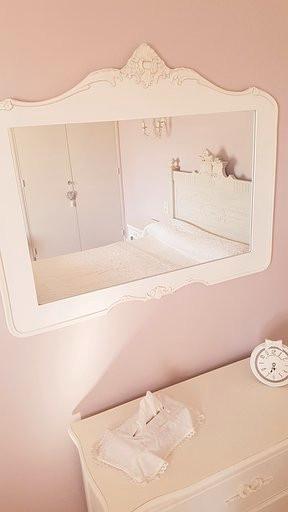 Chambre romantique Lit dans le miroir.jp
