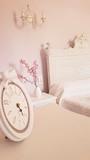 Chambre_romantique_Réveil_Fleurs_Tête_