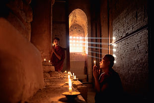 Novice Monks Prier