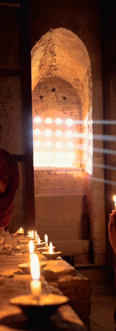 Novice Monks Prier