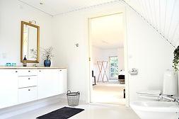 Badeværelset til en af værelserne på Als Kloster Bed & Breakfast