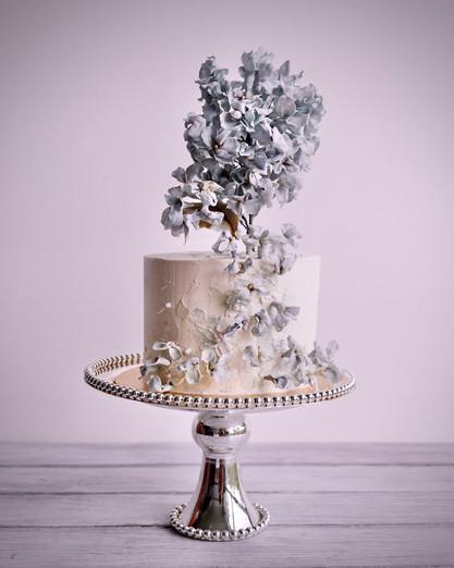 Cascading sugar hydrangeas cake