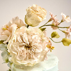 Why You Should Not Decorate Your Cakes with Real Flowers