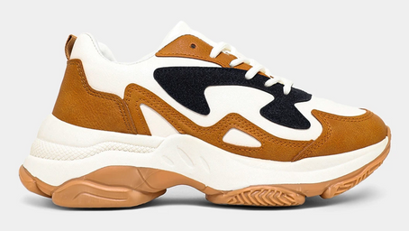 CHUNKY SNEAKERS ARE EVERYWHERE THIS SEASON AND AGELESS DECIDED TO JOIN THE TREND